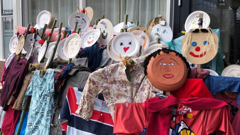 Burgum maakt 130 poppen voor Kamp Morra?